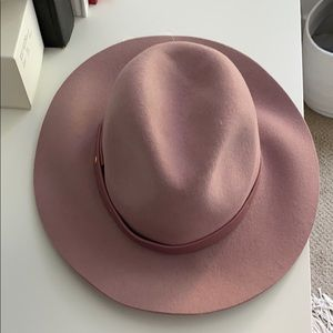 Brand new with tags- pink wool fedora soft pink